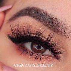 #HowToApplyEyeliner Makeup For Brown Eyes, Smokey Eye Makeup, Dark Makeup, Love Makeup, Make Up Tutorial Contouring, Cat Eye Makeup Tutorial, Eyeliner Tutorial, Eye Tutorial, Make Up Braut