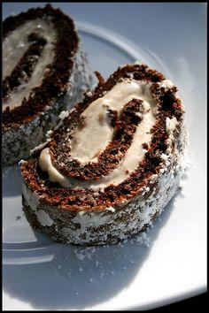 Gâteau roulé au chocolat et crème à la purée de châtaignes   Chez Becky et Liz, blog de cuisine anglaise