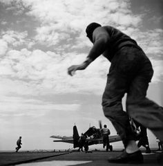 Wayne Miller, Pacific Theater, WWII (plane taking off) Wayne Miller, Grumman F6f Hellcat, Photography 101, Magnum Photos, Aircraft Carrier, Military History, Military Aircraft, World War Two, Wwii