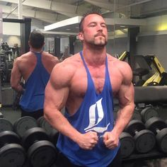 Follow up to my last post  @dave_prescott last week standing at 225 lbs the result of a 9/10 year forever bulk- training heavy and being in a caloric surplus with sufficient protein for so long with little to no days off  drive and passion right there  By end of this month aiming to lose mostly all stubborn fat and next month to get them deep cuts!! #diggingdeep  #iifym #flexibledieting #ifitfitsyourmacros #macros #cutting #contestprep #cut #diet #dieting #nutrition #legendsofaesthetics #loa…