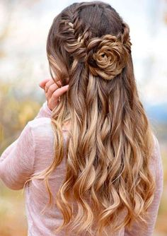 Breathtaking Half Up Long Layered Hairstyles 2018 for Women