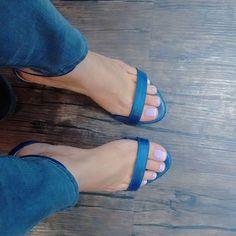 😘 #boanoite#feet#foot#pies#piedi#toes#music #nails#unhas#love#blue#notte#fit#dj#bike #sp#goiania#rj#look#fetish#jp#luxury#bh#ps4 #shoes#fashion#art#design#bsb#sport