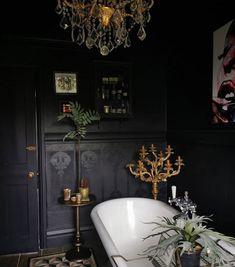 Dark Bathrooms, Beautiful Bathrooms, Dream Home Design, House Design, Goth Home, Dark Interiors, Gothic House, Bathroom Interior, Gothic Bathroom Decor