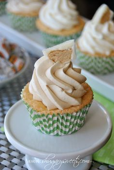 White Chocolate Cupcakes topped with Peanut butter Frosting: inspired by Reese's white chocolate PB cups #peanutbutter #Reese's www.shugarysweets.com