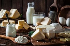 Stock Photo : Dairy products shot on rustic wooden table Fodmap Recipes, No Dairy Recipes, Corvina, Le Psoriasis, Rustic Wooden Table, Ibs Diet, Full Fat Yogurt, Le Cacao, Halibut