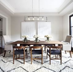 Working on a new dining room decor project? Find out the best mid-century inspirations for your interior design project at http://essentialhome.eu/