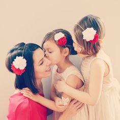 Headband fleurs mariage rouge et blanc - Accessoires mariage cheveux enfants, demoiselle d'honneur ou invitée mariage