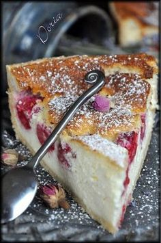 Ricotta and raspberry pie - Doria& cuisine - French Desserts, No Cook Desserts, Just Desserts, Delicious Desserts, Yummy Food, Desserts Fruits, Pie Dessert, Dessert Recipes, Bolos Low Carb