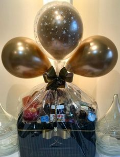 Diy Birthday Gifts For Friends, Birthday Gifts For Boyfriend Diy, Cute Boyfriend Gifts, Boyfriend Anniversary Gifts, Friend Birthday Gifts, Wedding Gift Baskets, Valentine Gift Baskets, Diy Gift Baskets, Valentine Gifts