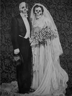 Amor Eterno - Laurie Lipton    She was born in New York and began drawing at the age of four. She was the first person to graduate from Carnegie-Mellon University in Pennsylvania with a Fine Arts Degree in Drawing (with honours). She has lived in Holland, Belgium, Germany and France and has made her home in London since 1986. Her work has been exhibited extensively throughout Europe and the USA.
