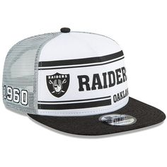 Oakland Raiders New Era 2019 NFL Sideline Home Alternate Snapback Adjustable Hat - White/Silver White Nike Shoes, White Nikes, Oakland Raiders Cap, New Era Homes, Raiders Wallpaper, Gangster Style, Hat Patches, Stylish Girls Photos, Cool Hats