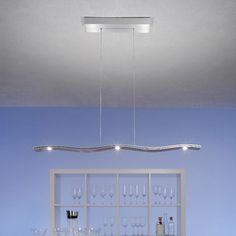 """Moderne LED Leuchte """"Fluid"""" in kleiner Version mit L=100cm. 3 LEDs nach unten zum Tisch + 2 LEDs auf der Oberseite für die zusätzliche Raumbeleuchtung. Stufenschaltung eingebaut. Aluminium geschliffen. http://www.kaa-leuchten.de/innenleuchten/haengeleuchten/aktuelle-led-haengeleuchten/led-fluid--alu-s.php #led #ledleuchten #ledlampen #esstisch #licht #ledlicht #esstisch_leuchten #wohnen #design #lichtdesign #küche #küchen_tisch #aluminium #lichtechnik #designerleuchten #designerlampen…"""