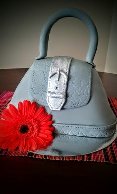 Torta bolso :) Bags, Fashion, Themed Cakes, Handbags, Moda, Fashion Styles, Fashion Illustrations, Bag, Totes