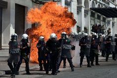 EN IMAGES. Grèce: les manifestations anti-austérité dégénèrent. Découvrez le diaporama en cliquant sur l'image