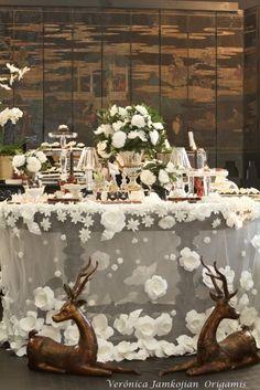 Lançamento da toalha de casamento com flores em origami inspirado em Chanel feita para a CASAR 2011 no Terraço Daslu.: