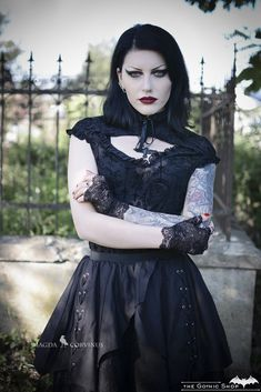Model, styling, photo: Magda Corvinus Assistant C. Ioan Outfit: The Gothic Shop Welcome to Gothic and Amazing |www.gothicandamazing.com