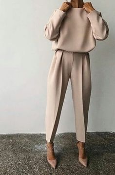 Fine Outfit Ideas Spring You Should Already Own outfit ideas spring, Mode femme Classy Outfits, Chic Outfits, Fall Outfits, Fashion Outfits, Womens Fashion, Paris Outfits, Sneakers Fashion, Edgy Work Outfits, Simple Winter Outfits
