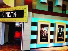 #Continium #DiscoveryCenter #Kerkrade #Niederlande #Lego #Reisen #Travel #Rheinland #Ferienwohnung #Museum #Entdecker #cinema Broadway Shows, Lego, Cinema, Museum, Dark, Frame, Home Decor, Netherlands, Road Trip Destinations