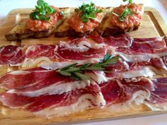 nl Traditional Jamon Iberico, Pan Con Tomate at FIG & OLIVE Spanish Tapas, Spanish Food, Tapas Party, No Cook Appetizers, Melrose Place, Good Food, Yummy Food, C'est Bon, My Favorite Food