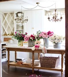 Fantastic french country decor are readily available on our web pages. look at this and you wont be sorry you did. French Country Kitchens, French Country Living Room, French Country Farmhouse, French Country Style, Country Cottage Kitchens, Farmhouse Style, Country Cottage Bedroom, Farmhouse Decor, French Cottage Style