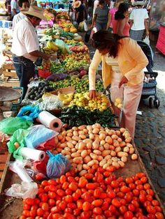 Ajijic outdoor market~Oh I miss this wonderful vibrant market on Wednesday's.