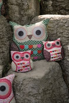 Owl cushion and doorstops....once again Reminds me of Nat..