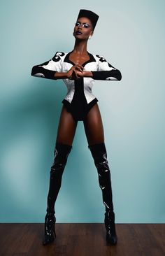 Couleé me all you want as Grace Jones, henny : rupaulsdragrace Grace Jones, Black Girls Rock, Black Girl Magic, Jones Fashion, 70s Fashion, Drag King, Real Queens, Kid Poses, Club Kids