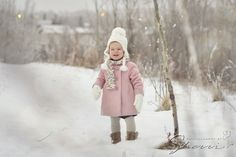 Winter Girl | Calgary Toddler Photography | www.photographybysherri.ca