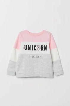 Sweatshirt with Appliqué - Light gray/unicorn - Kids Kids Winter Fashion, Kids Fashion, Cute Fashion, Fashion Outfits, Classy Fashion, Petite Fashion, Fashion Tips, Unicorn Outfit, Unicorn Clothes