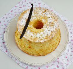 Chiffon cake à la vanille - That's Amore! Chiffon Cake, American Cake, Angel Cake, Cake Cookies, Feel Better, Doughnut, Tea Time, Biscuits, Vegetarian Recipes