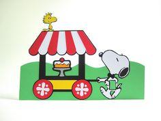 Peças de decoração de mesa Snoopy 3D, feito em papel especial de 180g.   TEMOS OUTROS PRODUTOS NO TEMA