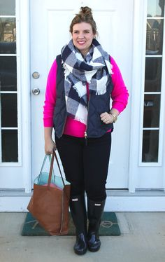 Hot pink sweater, jeans, navy Hunter Boots, navy check scarf and reversible tote bag