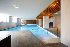Providing views over the mountains, Bellevue Parkhotel & Spa in Adelboden offers a heated outdoor and indoor pool, a modern spa area, and an award-winning. Adelboden, Alpine Village, Mountain Village, World Cup Fixtures, Hotel Bellevue, Family Ski Holidays, Hotel Meeting, Spa, White Building