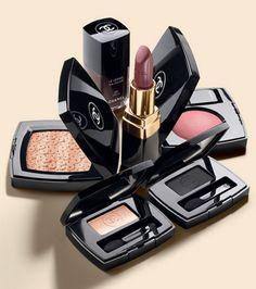 Щсень 2013 Chanel Cosmetics http://www.cheaparmacmakeup.com/chanel-cosmetics-c-49.html