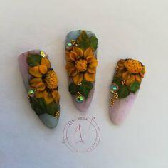 Chic@s a cuantas nos gustan los girasoles 🌻🌻 les comparto Un poco de 3d 🌻espero les guste 😉  Dale ❤️ Comenta 📩 Comparte ➡️ Etiqueta 🔖… Vegas Nails, 3d, Chic, Instagram, Sunflowers, Fingernail Designs, Shabby Chic, Elegant