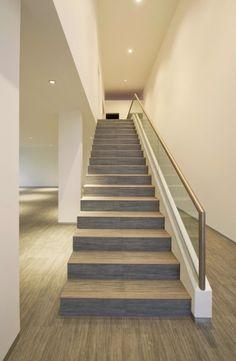 Escalera: Casa en La Encantada - Artadi Arquitectos #arquitectura