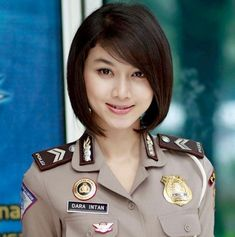 Girls Uniforms, Military Uniforms, Indonesian Girls, Military Women, Beautiful Girl Image, Woman Face, Cool Girl, Short Hair Styles, Bob