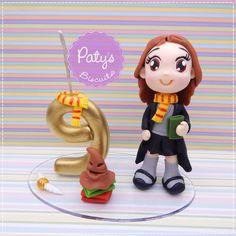 Topo de Bolo com vela Hermione Granger - Festa Infantil - Paty's Biscuit