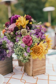 Rustic and pretty centerpieces.