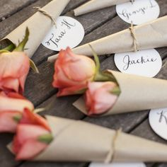 Flower place cards - Is there anything better than pretty flowers, brown paper and calligraphy? I think not.