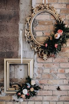 Wooden frame with vines and pink roses 🌸✨ Home Crafts, Diy Home Decor, Wedding Decorations Pictures, Deco Originale, Creation Deco, Deco Floral, Decorating With Pictures, Home And Deco, Flower Frame