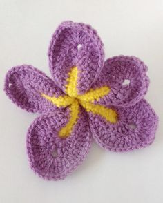 Free Crochet Pattern For Iris Flower : 1000+ images about Craft Flowers, DIY/ tutorial on ...