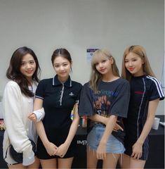 Blackpink in your area Kim Jennie, Girls Generation, South Korean Girls, Korean Girl Groups, Up10tion Wooshin, Square Two, Black Pink Kpop, Blackpink Photos, Blackpink Fashion