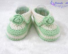 crochet baby shoes baby booties handmade booties by VivianDIY1226