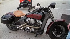 Indian Scout modeled after the 1928 version. Hard tail, tractor seat and headlight.