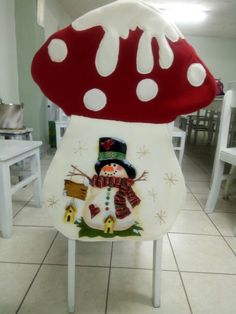 Kids Fashion, Cross Stitch, Gingham Quilt, Christmas Sewing, Covering Chairs, Kitchen Dining Living, Table Runners, In Love, Papa Noel
