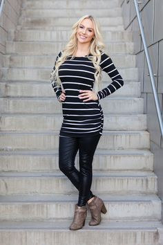 Striped Gathered Side Tunic - Black – Boutique Amore
