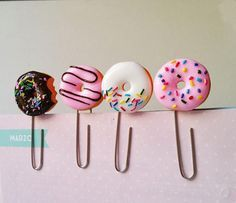 Set with four pink donuts clip paper planner bitten donut clip planner pink donut bookmark planner donut accessorize polymer clay donuts Yana Sytschow Cute Polymer Clay, Cute Clay, Fimo Clay, Polymer Clay Projects, Polymer Clay Charms, Polymer Clay Jewelry, Clay Earrings, Clay Crafts, Polymer Clay Sweets