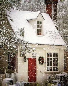 Christmas Scenes, Winter Christmas, Christmas Home, Xmas, Cottage Christmas, Merry Christmas, Cute Cottage, Cottage Style, Cottage Living