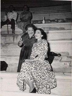 Maria & Elvira de Hidalgo